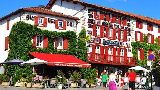 Voyager au Pays Basque : 3 villes incontournables à visiter absolument